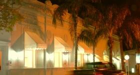 exteriorNorte_Noche001.jpg